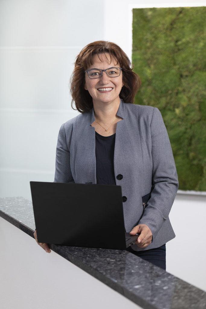 Angela Hartmann - Estate5 AG